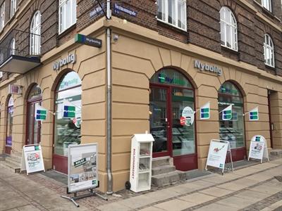 Mæglerguide - Ejendomsmægler på Islands Brygge / Vestmannagade 1 - 2300 København S